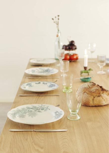Måttanpassat matbord i ek